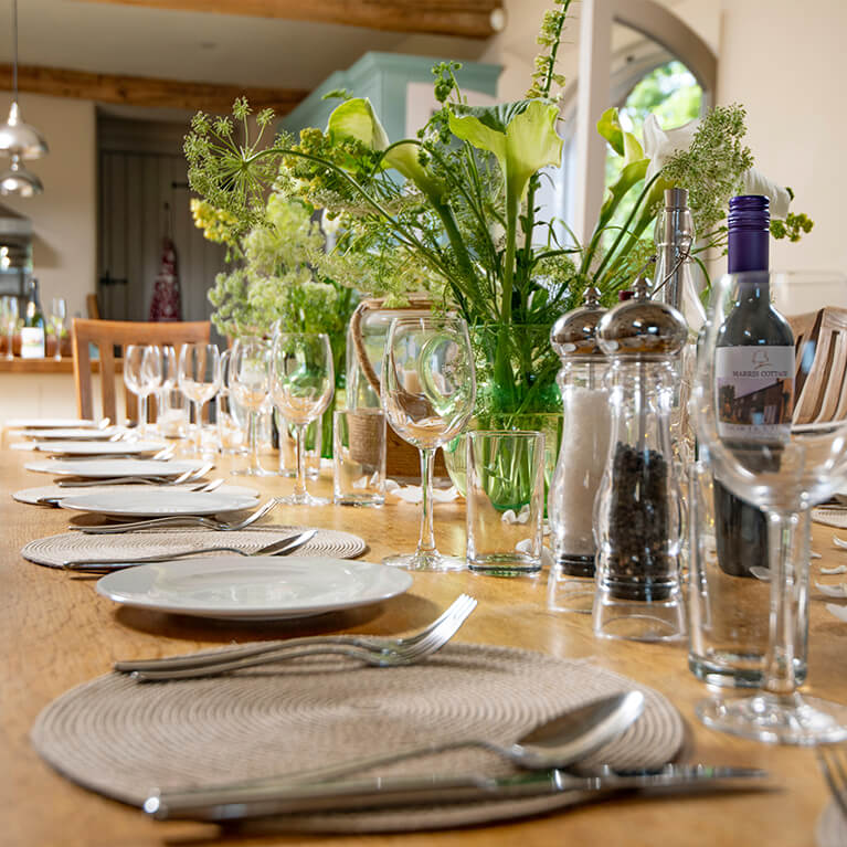 Marris Barn Table Setting