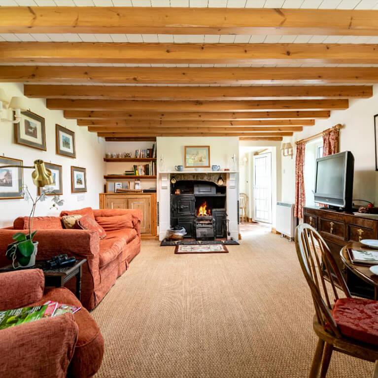 Marris Cottage Lounge