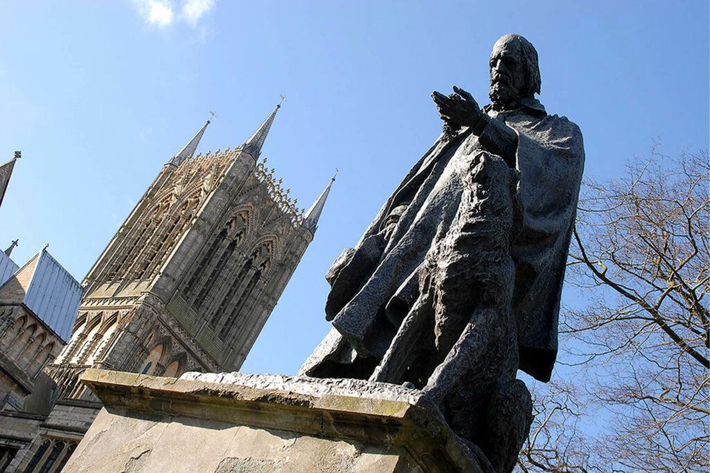 Tennyson Statue