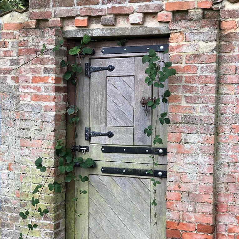Walled Garden Baumber
