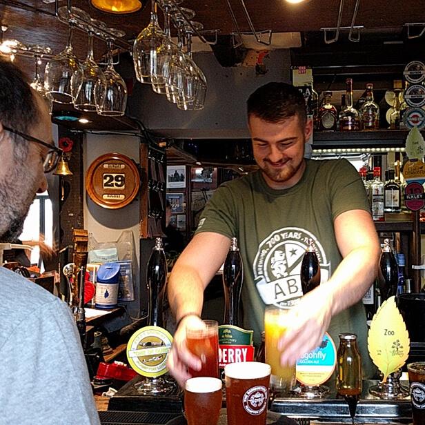 Dambusters Inn Bar Service